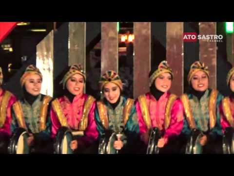 Rapai Geleng traditional dance from Aceh