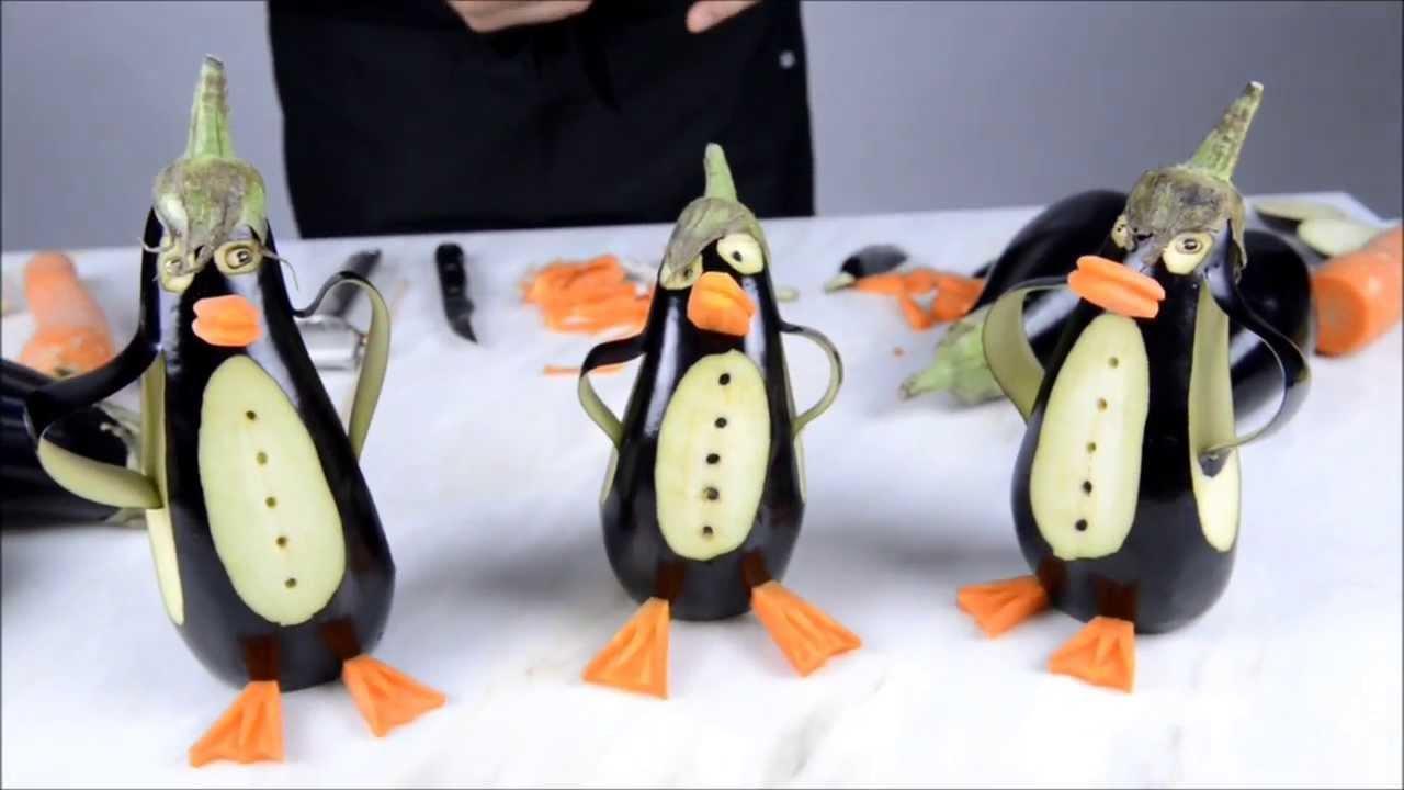 Arteà mesa Pinguins beringelas YouTube -> Decoração De Frutas Para Mesa