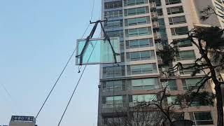 한샘창호  엘리베이터 운반 안되는 창호 유압윈치운반작업…