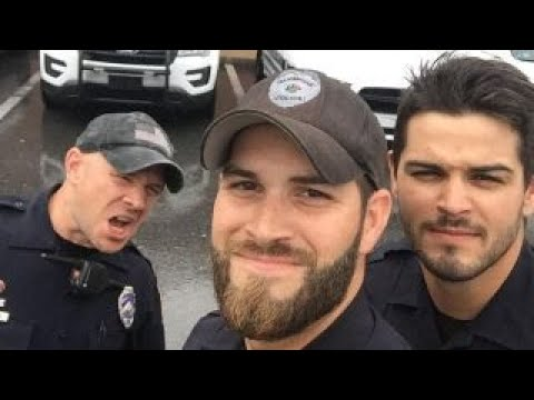 Florida cops selfie posted during Irma goes viral