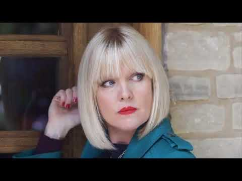 'Agatha Raisin' star Ashley Jensen sells the house after her husband's suicide in garage
