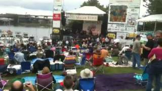 Blues Fest rakes in record donations for the Oregon Food Bank