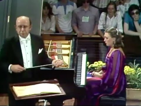 Viktoria Postnikova plays Rachmaninoff Piano Concerto no. 1 - video 1979