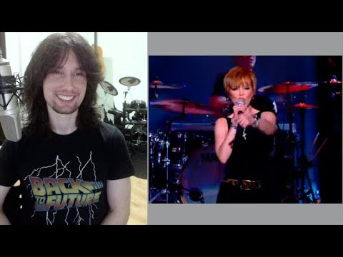 British guitarist analyses Pat Benatar live in 2001 with 'Heartbreaker'!