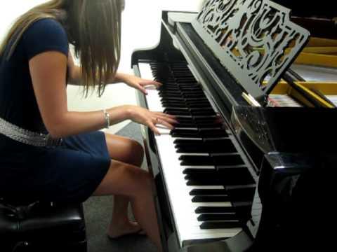 Muse - Uprising (piano cover by Tara O'Brien)