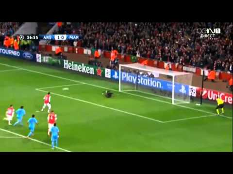 Arsenal vs Marseille - Mesut Özil Penalty MISS! 26/11/2013