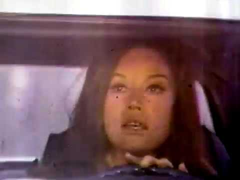 Mary Tyler Moore Tribute (The Mary Tyler Show pilot opening: 9/19/70)