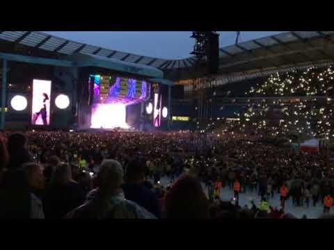 Ed Sheeran at Manchester Etihad Stadium - Life of a Blind Girl
