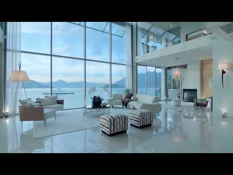 Beautiful Luxury Home - overlooking the bay-  Beach House - West Vancouver  $11,998,000