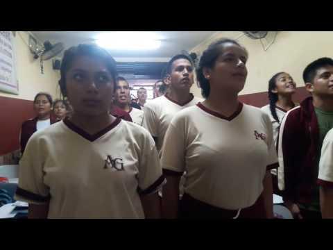 Alumnos del Grupo de Estudio Alpha Grace cantando el HIMNO NACIONAL DE LA PNP