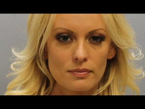 الإفراج عن الممثلة الإباحية ستورمي دانيالز بعد اعتقالها في نادٍ للتعري…  - 11:22-2018 / 7 / 13