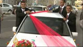 Video Hamas organises mass wedding in Gaza - 2 Aug 09 download MP3, 3GP, MP4, WEBM, AVI, FLV Juni 2018