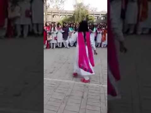 Punjab | Lahore | Girls Dance at College Function on Pashto Song