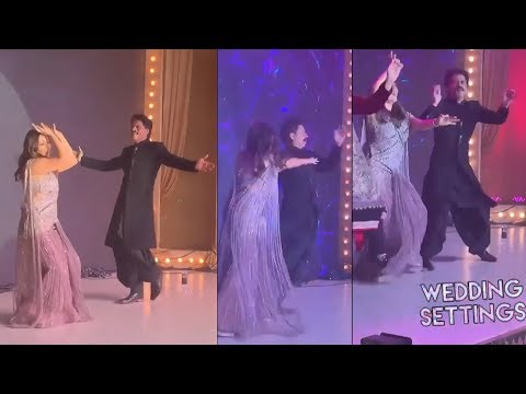 Shahrukh Khan, Gauri Khan and Karan Johar Recreate Aishwarya Rai's Kajre re Song | Kareena, Karishma