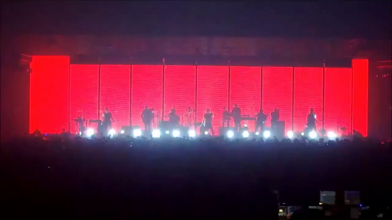 Nine Inch Nails - Tension Live 2013, Assault edition - YouTube