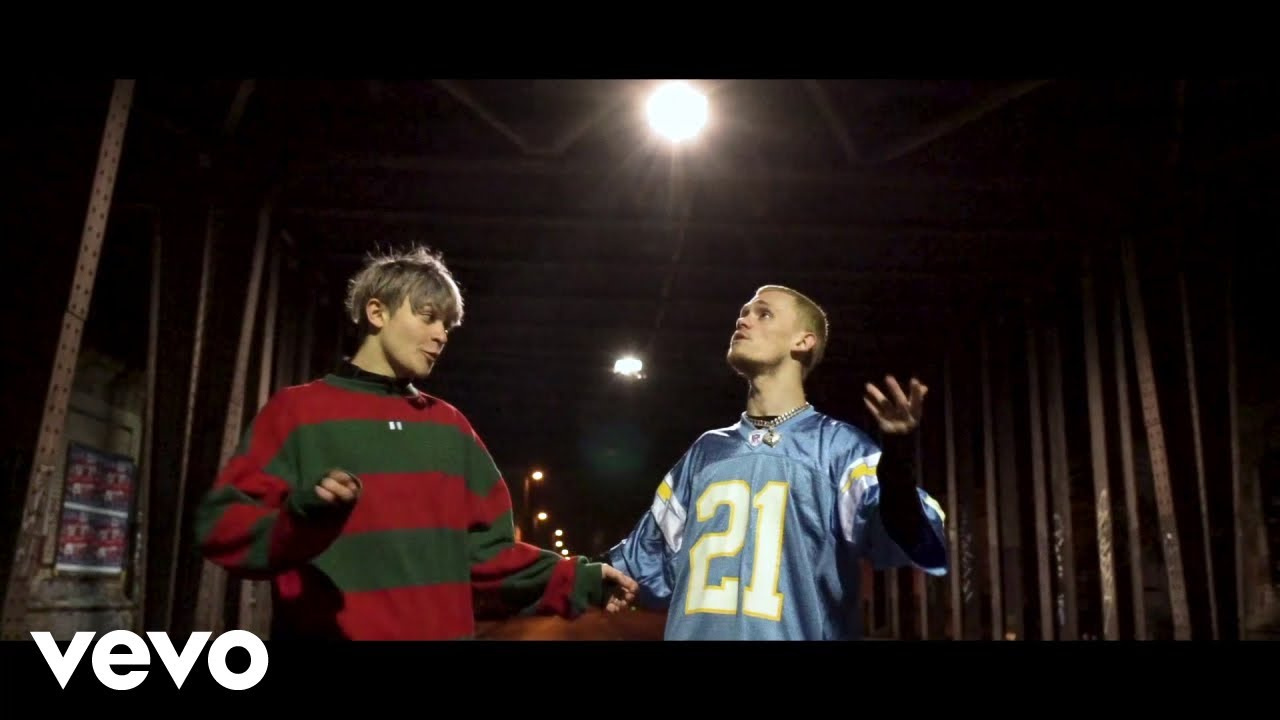 Bars And Melody - Addicted (Official Video)