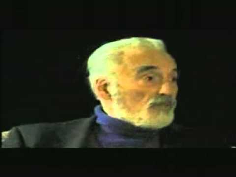 Christopher Lee talks about his first Dracula premiere & leopard encounter