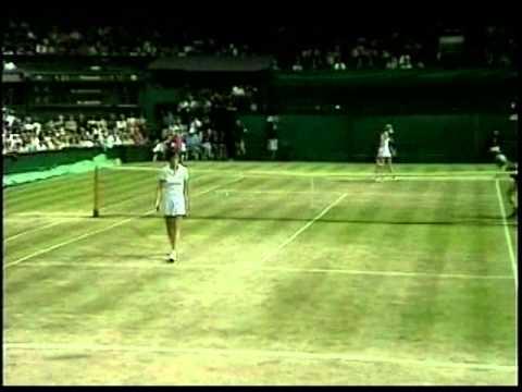 Chris Evert d. Martina Navratilova - 1980 Semifinals of the Big W