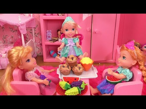 Playdate ! Elsa and Anna toddlers - Aurora - Barbie