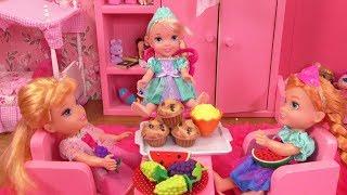 Playdate ! Elsa and Anna toddlers - Aurora - Barbie
