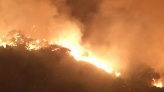 Raw: Fire Burns Iconic SAfrica Mountain