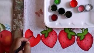 Pintura em tecido morangos por Christiane Gomes Da Silva