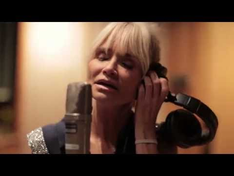 Kristin Chenoweth: Im A Fool To Want You Sneak Peek