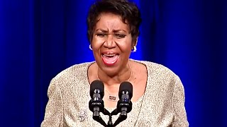 """Aretha Franklin Sings """"America, The Beautiful"""" for Eric Holder"""