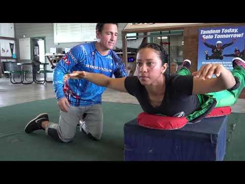 Skydive Spaceland Skydiver Training Program: Dive Flow 10