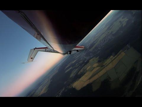Kunstflug im Sonnenaufgang Pilatus B4 PC-11 AF aerobatics