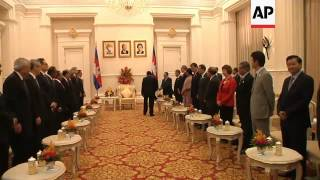 Cambodian PM greets FMs ahead of ASEAN regional forum