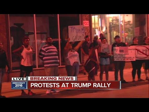 Protests break out at ohio trump rally