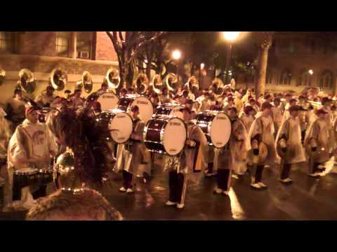 USC Trojan Marching Band | Singing