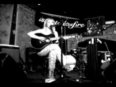 Ruth Bewsey - Ticking Clock (live)