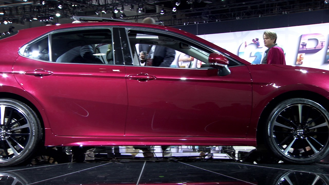 Toyota Camry Singapore 2018 >> 2018 Toyota Camry First Look | Doovi
