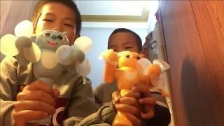 Hai anh em chơi quạt mini cầm tay cực mát - Anh Hiếu TV - (kids Toys)