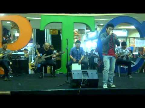 ELKASIH - KAU TIGAKAN CINTA LIVE ACOUSTIC 2013.mp4