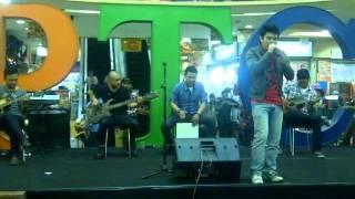 Download lagu ELKASIH - KAU TIGAKAN CINTA LIVE ACOUSTIC 2013.mp4