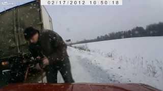 行車記錄器拍攝俄羅斯人民「做好事」的影片網路爆紅