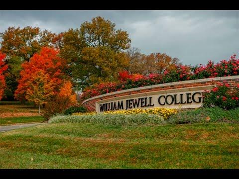 Tour: Entrance & Campus Highlights