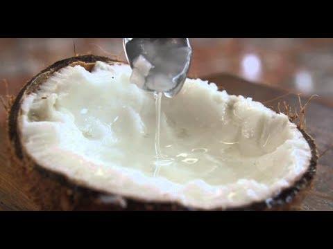Dừa sáp 300k/trái, quá đắc nhưng ráng mua ăn thử cho biết ngon dở thế nào?