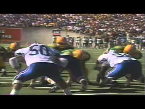 Oregon QB Bill Musgrave runs for a touchdown vs. BYU 9-29-1990