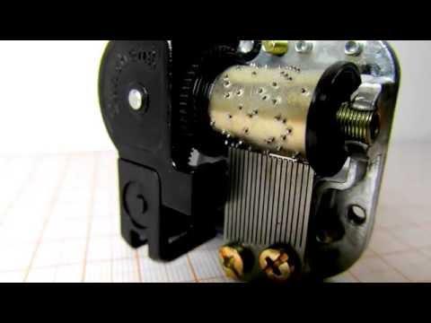 Traditional mechanical music box