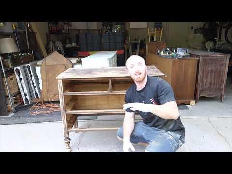 Refinishing an old Vintage dresser: Furniture Makeover: Blue Dresser