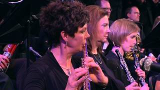 """The Mormon Tabernacle Choir and congregation sing """"Silent Night."""""""