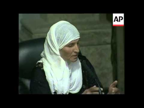 Kurdish witness asks Saddam what crimes slain women and chidlren committed
