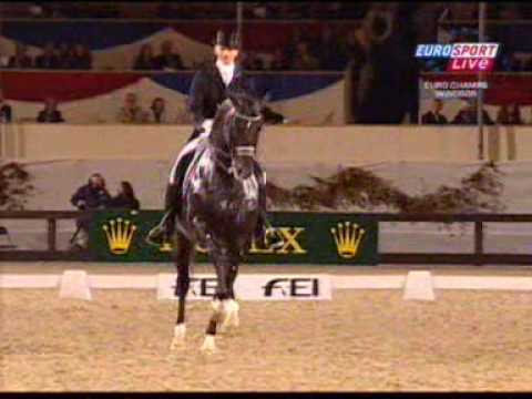Edward Gal and Moorlands Totilas 90.7% KUR European championship Windsor