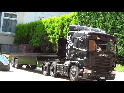 tamiya scana R620 with a ian sparks trailer