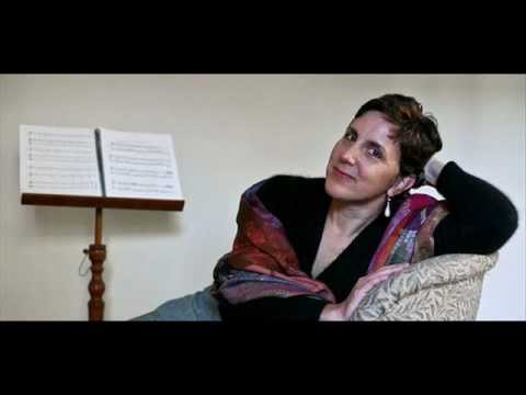Dawn Upshaw sings