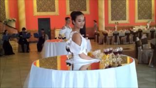 девушка живой стол на свадьбу